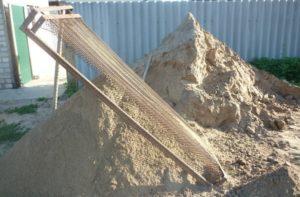 Просеивание песка для бетона