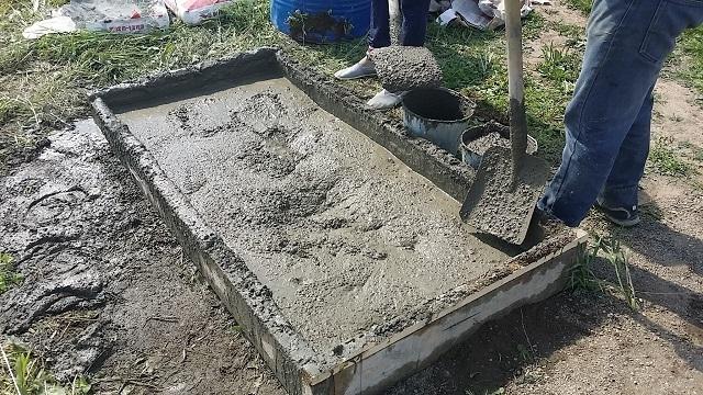 Приготовление бетона для фундамента